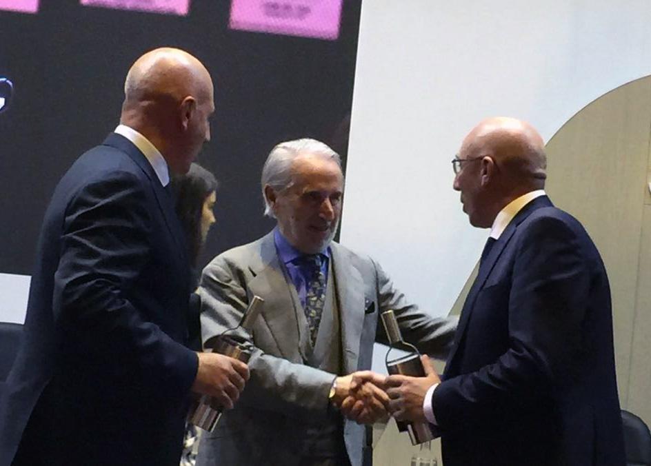 Miguel y Marcos Eguren recogen los premios obtenidos en la Liga del 99 de Gourmets
